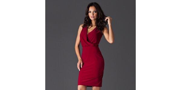 Dámske tmavo červené šaty s rafinovaným výstrihom Figl