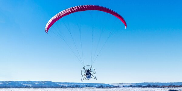 Nezabudnuteľný jarný tandem motorový paragliding aj s videozáznamom