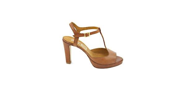 Dámske karamelovo hnedé sandálky s prackou Eye