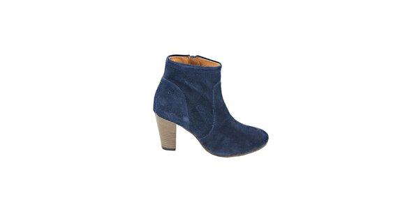 Dámske tmavo modré semišové kotníčkové topánky na podpätku Eye