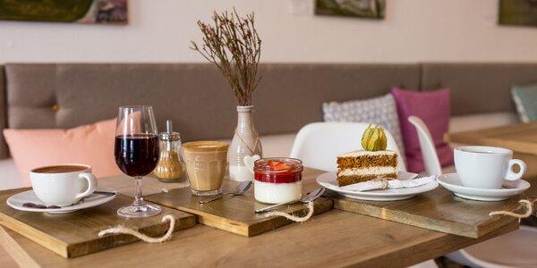 Káva alebo čaj + koláč či limonáda s makovými srdiečkami