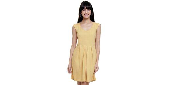Dámske vanilkovo žlté šaty so skladmi Kool