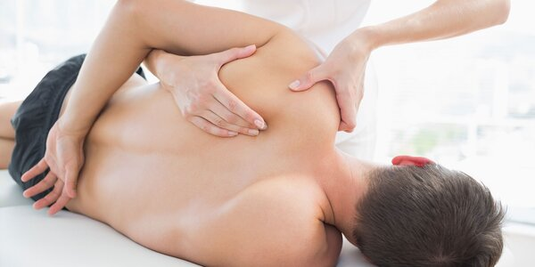 Masáž s fyzioterapeutom a vibračná terapia