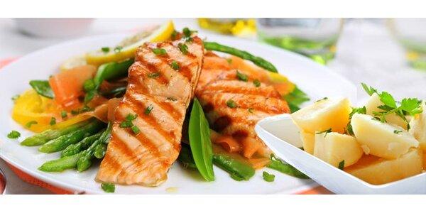 12,39 eur za grilovaný steak z lososa s varenými zemiakmi a jablkovou štrúdľou…