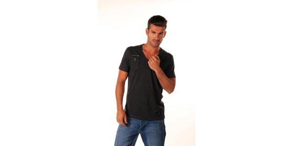 Pánske šedočierne tričko s kapsičkou Celop