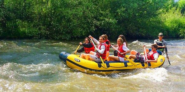 Nasadnite na raft alebo kanoe a splavujte Hron!
