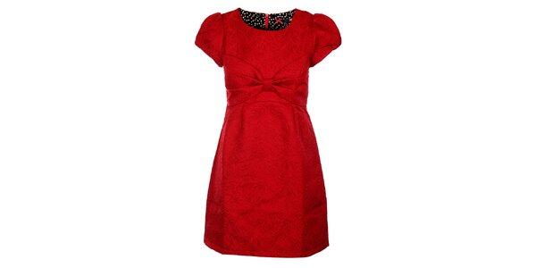 Dámske červené brokátové šaty s veľkou mašľou