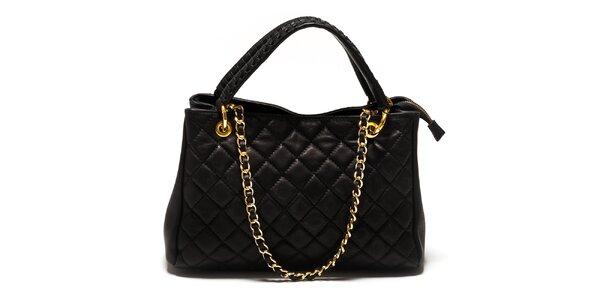 Dámska čierna prešívaná kabelka Sonia Ricci so zlatým retiazkou