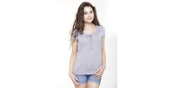 Dámske svetlo modré tričko s krátkým rukávom a mašličkou Peace&Love
