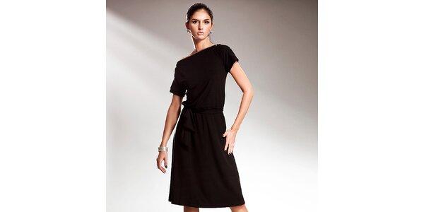 Dámske čierne šaty s efektnou mašľou Nife