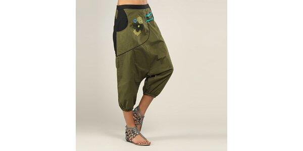 Dámske olivovo zelené lesklé nohavice Coline