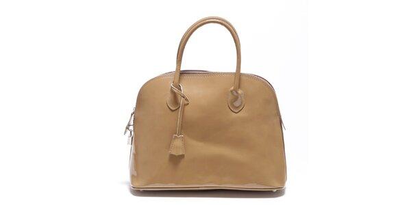Dámska béžová lakovaná kabelka Carla Ferreri