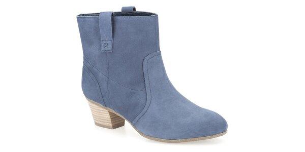 Dámske modré členkové topánky Clarks