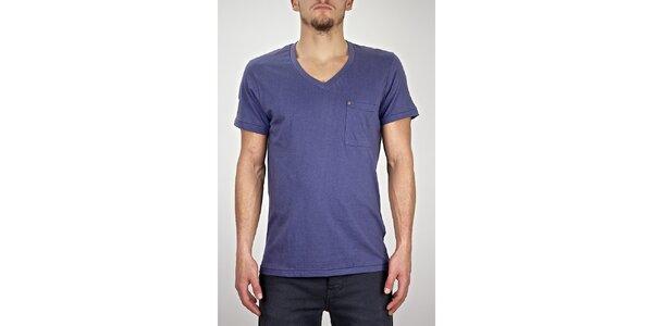 Pánske modro-fialové tričko s véčkovým výstrihom Judge&Jury