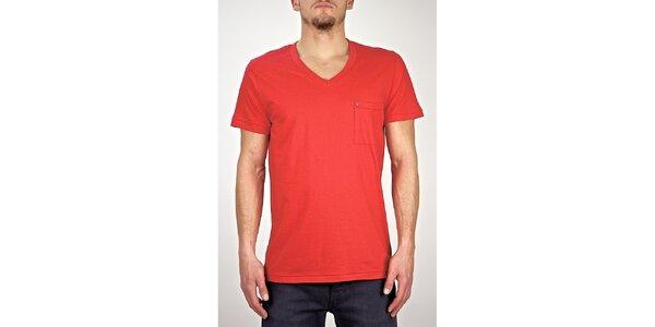Pánske červené tričko s véčkovým výstrihom Judge&Jury