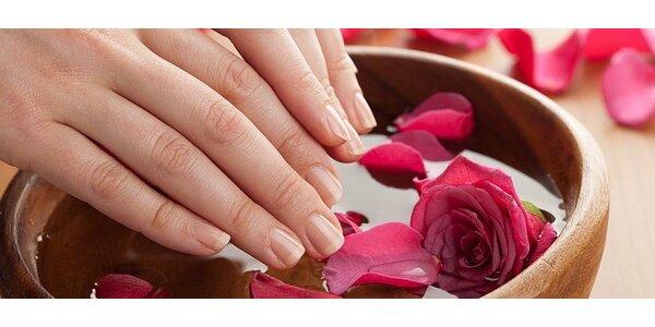 Voňavá aroma terapia na ruky a gélová modeláž nechtov