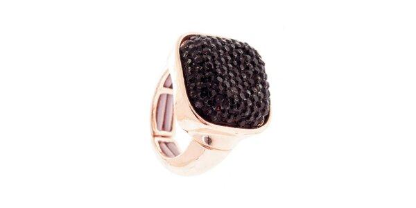 Dámsky prsteň s čiernym kryštáľom Majique