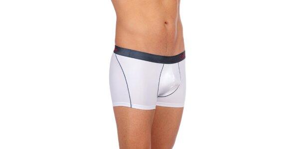 Pánske biele spodné prádlo Calvin Klein Underwear s čiernym vrchným lemom