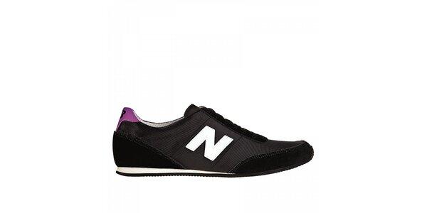 Dámske čierne tenisky New Balance s fialovými detailami