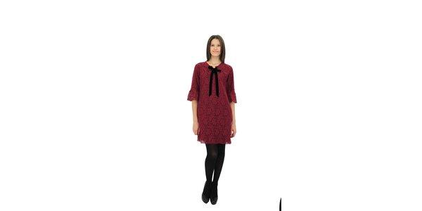 Dámske vínové čipkové šaty Miss June s čiernou zamatovou mašľou