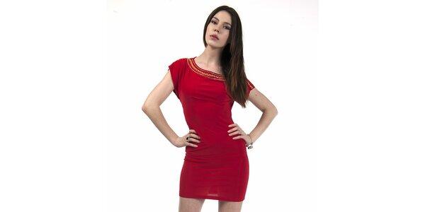 Dámske červené šaty so zlatou aplikáciou Via Belucci