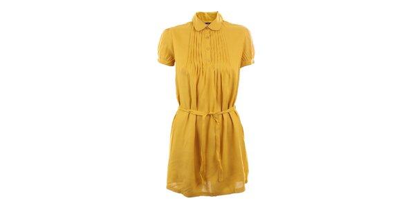Dámske horčicovo žlté šaty so skladmi Tantra