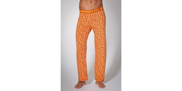 Pánske oranžové domáce nohavice A-Style s potlačou