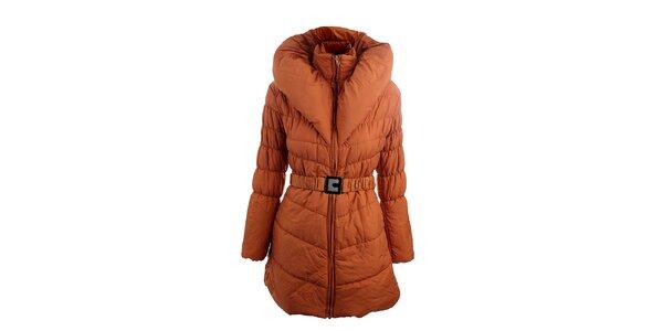 Dámsky tehlovo červený kabát s opaskom Mezzo