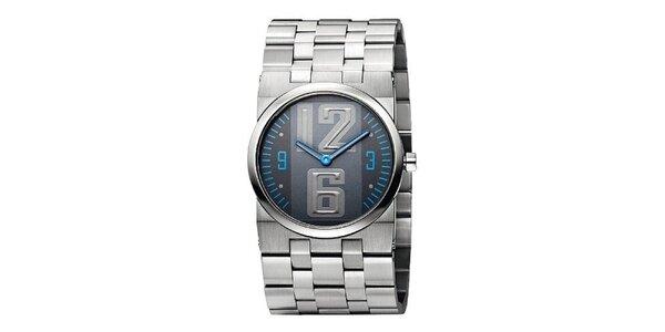 Pánske strieborné hodinky s modrými detailmi Bruno Banani