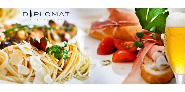 Spaghetti aglio oglio s kuracím ragout, predjedlom a nápojom v centre mesta