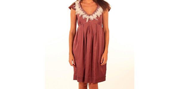Dámske ružové šaty s pierkami Privee