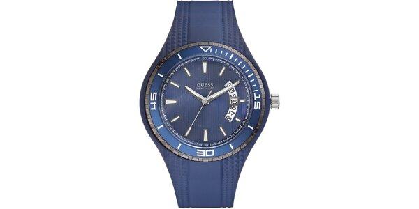 Pánske modré analogové hodinky Guess s dátumovkou