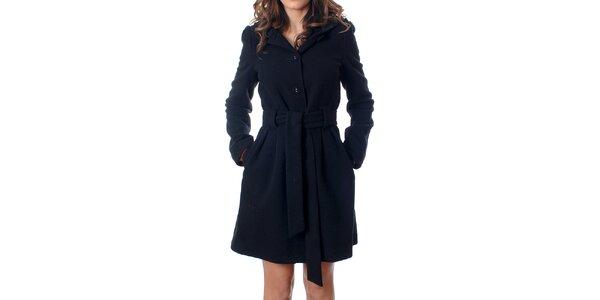 Klasický dámsky čierny kabátik Mya Alberta s kapucou