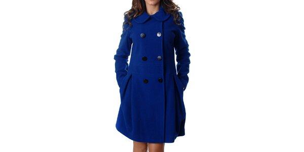 Elegantný dámsky dvojradový kabát Mya Alberta v modrej farbe