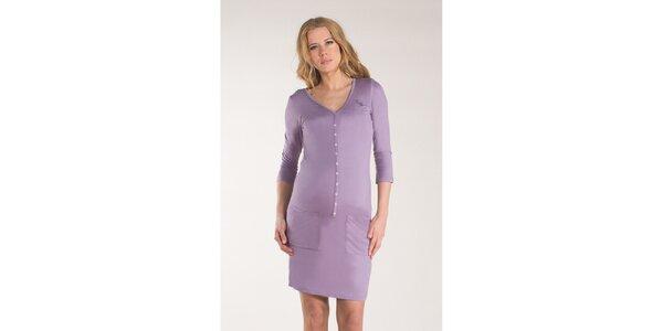 Dámske fialkové šaty s gombíkmi Mom2mom