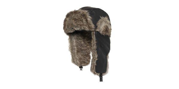 Pánska čierna čiapka s umelým kožúškom Urban Classics