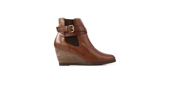 Dámske hnedé topánky na kline Derhy