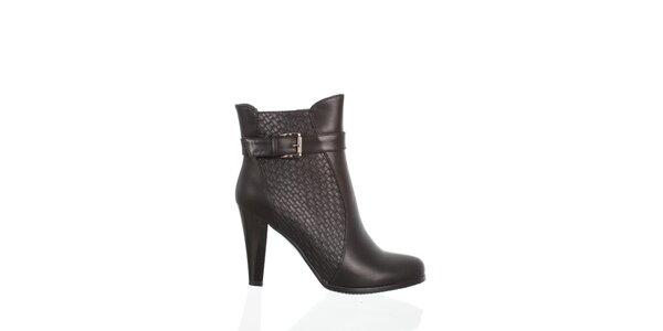 Dámske čierne kotníčkové topánky Moow