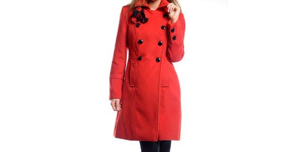 Dámsky červený kabátik s kvetinou Estella