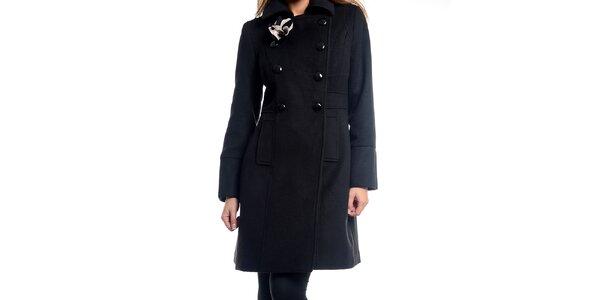 Dámsky čierny kabátik s kvetinou Estella