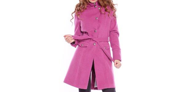 Dámsky fuchsiový kabát s opaskom Bella