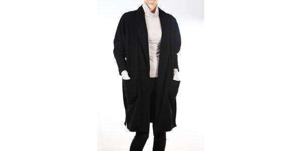 Dámsky čierny kabát s opaskom Gene