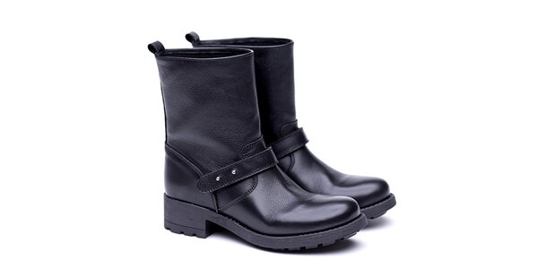 Dámske čierne nízke čižmy s remienkom Shoe the Bear