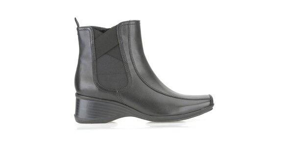 Dámske čierne členkové topánky Clarks