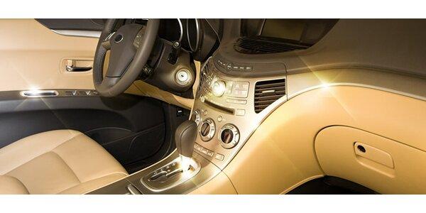 Vyčistenie interiéru auta