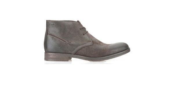 Pánske semišové členkové hnedé topánky Clarks