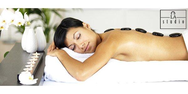 40 minútová masáž chrbta lávovými kameňmi