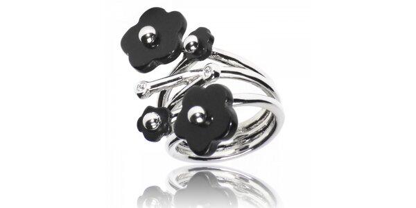 Dámsky strieborný prsteň Bague a Dames s čiernymi kvetmi