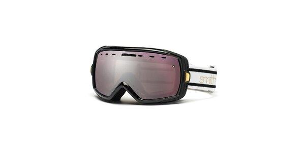 Čierne lyžiarske okuliare Smith Optics so zrkadlovým efektom