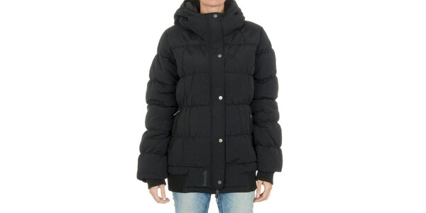 Dámska čierna bunda Bench s kapucňou